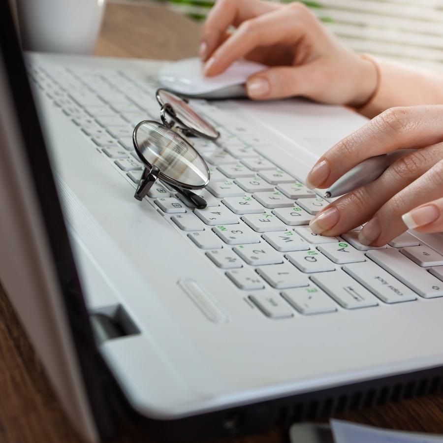 Wpis Na Bloga Po Angielsku Wzór Zasady Pisania Przydatne Zwroty